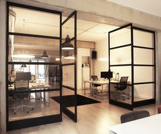 Stalen Design FritsJurgens Taatsdeuren. Een project voor een kantoor in Amsterdam. #stalenbinnendeuren #taatsdeuren