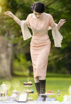 Vintage 1950s dress / pink lace cocktail / Ferman O'Grady. #1950s