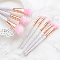 """16 Likes, 4 Comments - Beauty, Lifestyle & Disability (@wonderlandblogs) on Instagram: """"Have another pic of these gorgeous @indyluxe brushes. My Jouer #giveaway ends tomorrow, scroll down…"""""""