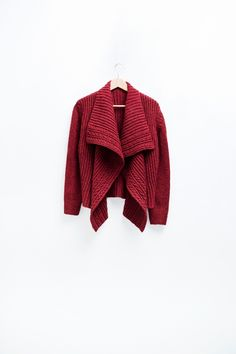 Brooklyn Tweed has new patterns! This is the Carpeaux cardigan.