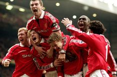 Photo of the Day: January 24 FA Cup - Fourth Round - Manchester United 2 - 1 Liverpool. Manchester United's Paul Scholes, David Beckham, Roy Keane, Andy Cole and Ryan Giggs celebrate Ole Gunnar Solskjaer's winning goal. Click through for full size. Manchester United Players, Bobby Charlton, Roy Keane, Michael Owen, Sir Alex Ferguson, Premier League Champions, Old Trafford, Soccer, Sports