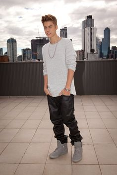 Amazing 37 Trending Winter Shoes for Rapper Style . Justin Bieber Fotos, Justin Bieber Ropa, Moda Justin Bieber, Justin Bieber Posters, Justin Bieber Outfits, Justin Bieber Pictures, Justin Photos, Justin Beiber Style, I Love Justin Bieber