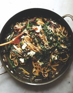 Fettuccini With Kale, Caramelized Onions & Goat Cheese