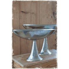Ovaal zilveren schaal op voet. #schaal, #bokaal, #ovaal, #landelijkwoonaccessoires, @janenjuup
