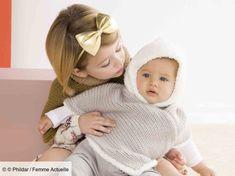 Pour que votre bébé soit bien au chaud , tricotez-lui ce poncho douillet réalisé au point jersey. Le bas et la capuche sont tricotés avec un fil très doux,...