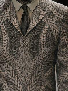 Knit printed blazer detail.