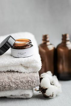 The Best Skincare Products (click in photo) watch now! The best tips! Beauty Photography, Lifestyle Photography, Photography Composition, Photography Guide, Photography Branding, Product Photography, Best Skincare Products, Beauty Products, Modern Baths