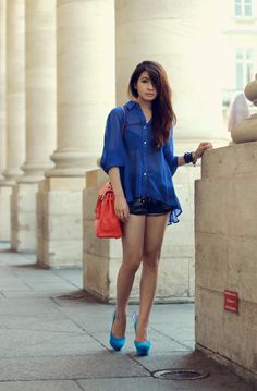 Petite Fashion Bloggers :: Brown Platform :: blue & red