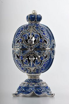 Blue Faberge Egg trinket box by Keren Kopal ✏✏✏✏✏✏✏✏✏✏✏✏✏✏✏✏ IDEE CADEAU   ☞ http://gabyfeeriefr.tumblr.com/archive .....................................................   CUTE GIFT IDEA 	 ☞ http://frenchvintagejewelryen.tumblr.com/archive   ✏✏✏✏✏✏✏✏✏✏✏✏✏✏✏✏