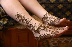 Elegant Arabic Mehndi Design