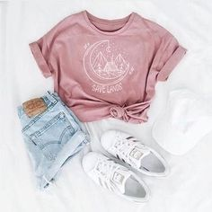 Speichern Sie Lands Cabin Tee - Sommer Mode Ideen - Cool outfits - Source by clothing ideas Cute Teen Outfits, Cute Comfy Outfits, Teen Fashion Outfits, Mode Outfits, Stylish Outfits, Womens Fashion, Teen Summer Outfits, Cute Teen Clothes, Classy Outfits