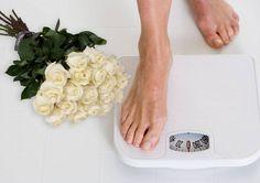 Sabemos das dificuldades para perder peso que já existem e se intensificam com a ansiedade que organização do casamento causa. Vamos nos unir e nos apoiar, incentivando e dando ideias e dicas para que estas lindas moças não percam de vista sua meta