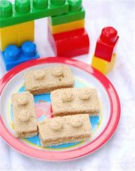 Lego sandwiches.  The kids could make these themselves at the party.  I recommend the To-Go Peanut butter pods so each child can double-duplo-dip into their very own PB.  Don't forget to have other sandwich goodies on hand in case of allergy. #LegoDuploParty