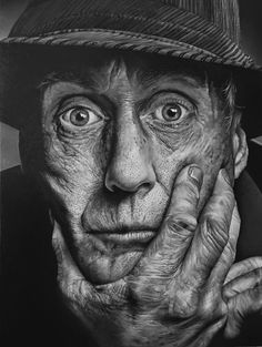 Questo non sono io cm. olio su Tela 2015 Vote for this artwork! Old Man Portrait, Pencil Portrait, Portrait Art, Old Man Face, Old Faces, Man Photography, Face Expressions, Black And White Portraits, Black And White Photography Portraits