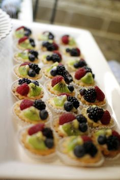 fruit tarts, sugared cranberries on top! Finger Food Desserts, Fun Desserts, Delicious Desserts, Fruit Recipes, Desert Recipes, Sugared Cranberries, Fruit Tarts, Good Food, Yummy Food