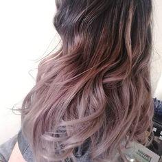 Cabellos irizados  Son reflejos leves y delicados Una opción perfecta en tecnica #bayage u #ombre  #Pelukeroart  #hairdresser #haircolor #haircut #beauty #girl #tornasole #hair #keroestilista #keropelukero