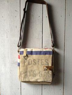Schoudertas gemaakt van een postzak Gevonden op nl.dawanda.com