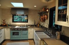 kitchen (concrete counters)