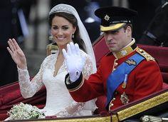 Каждая принцесса мечтает быть невестой и каждая невеста мечтает быть принцессой;-)