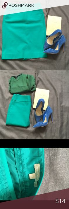 Banana Republic Green Skirt Gently used but in great condition Banana Republic Skirts