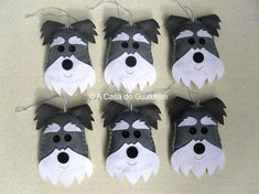 Set of 6 handmade Schnauzers - Christmas ornaments, to decorate your Christmas tree or to use as Party Favors. Made of felt, stuffed with polyfill. Measurements (cm): 11x8,5x1,5 / 4,33 in x 3,35 in x 0,59 in If you need a larger quantity or in a different color just convo me. -