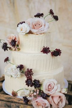 White and floral wedding cake Deep Purple Wedding, Floral Wedding, Wedding Fun, Wedding Stuff, Dream Wedding, 100 Layer Cake, Cake Tasting, Wedding Cake Inspiration, Fancy Cakes