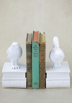 Details Organize your bookshelf with these adorable bookends featuring a cute bird and book design. These elegant, white bookends will add a charming touch to any room. x bookends Vintage Home Offices, Modern Vintage Homes, My New Room, My Room, Cabin Coffee, Bookcase Styling, Book Holders, Vintage Room, Cute Birds