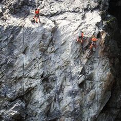 @comboeuf Die Felsenputzerkampagne von 2010 war also doch kein Aprilscherz? Aber hallo... #wir_tun_alles pic.twitter.com/fGp47XKi
