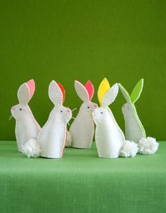 Bunny Finger Puppets - Finger Puppet DIY idea for Easter sewing