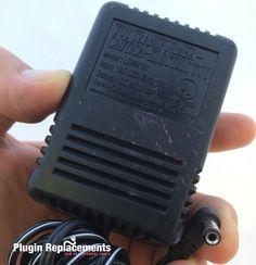 Toy Transformer AC Adapter Power Supply 9V 1000mA Model LG090100
