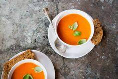 Tomatensoep met verse basilicum - Recept - Allerhande - Albert Heijn