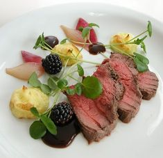 Wine Recipes, Gourmet Recipes, Cooking Recipes, Healthy Recipes, Food N, Food And Drink, Home Food, Dinner Is Served, Molecular Gastronomy