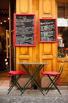 Chalkboard menus on the wall with the coffees we have Restaurant Interiors, Shop Interiors, Restaurant Design, Outdoor Cafe, Outdoor Seating, Outdoor Dining, Coffee To Go, Coffee Shop, Courtyard Cafe