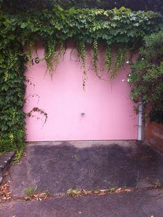 Pink garage door. #portals #doors #garage #pink #color