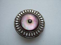 ¤ Bouton métal pointe acier et nacre Art Déco  26 mm. /Art Deco button MOP and metal.