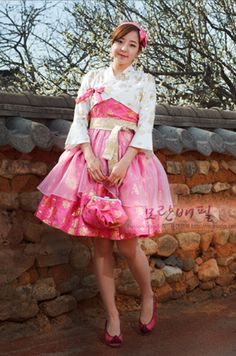 """Fusion style hanbok (traditional Korean clothing made more """"modern"""") made shorter and more like a party dress. So cute and love the colors. Korean Hanbok, Korean Dress, Korean Outfits, Korean Traditional Dress, Traditional Fashion, Traditional Dresses, Alternative Mode, Alternative Fashion, Japanese Fashion"""