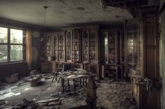 Abandoned Mansions and Castles