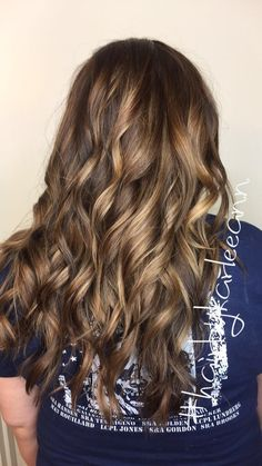 Did you know that every referral receives $10-$20 off their service and so does the person that refers them ? It's an awesome and easy way to get some Mula off your bill at the end of the service #hairbykarleeann #ellemariekarlee #ellemarielakestevens #balayage #springhair