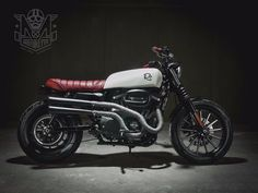 HARLEY DAVIDSON 883 dirt scrambler by RC MOTO GARAGE