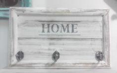 Perchero De Pared Home Madera Y Tres Ganchos Estilo Vintage - $ 440,00 en MercadoLibre Pallet Projects, Pallets, Peru, Sweet Home, Lettering, Ideas, Home Decor, Crates, Wall Coat Hooks