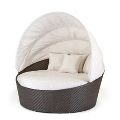 Caluco All-Weather Wicker Round Moon Daybed Patio Lounge Chair
