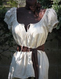 Ready to Ship Size Small Sexy Pirate Wench Blouse by CurvyWench Costume Halloween, Couple Halloween Costumes For Adults, Costumes For Teens, Couple Costumes, Adult Costumes, Mode Pirate, Pirate Wench, Pirate Costume Couple, Pirate Costumes