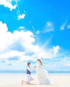 * * * あの日の思い出を 絶景の中でもう一度✨ * * * こちらのお写真は #沖縄 の #ウェディングフォトグラファー @sachikoharada_studiosuns さんからリポストさせていただきました✨ ありがとうございました * * * 今、最も人気のウェディングフォトのポージングは * 【 #プロポーズ 再現ショット】 * 感動系から、小物を使ったコミカルなものまで、雰囲気はカップルによって様々♫ * * プロポーズの形は人それぞれですよね✨ * しっかり系のプロポーズだったよー!というカップルは思い出の再確認ができますし、サラっと系のプロポーズ・もしくは特にプロポーズはなかったよ〜☆といったカップルは、新しい思い出作りができちゃうはず * * もしかしたら彼は恥ずかしがっちゃうかもしれませんが、『せっかくの機会だからー』とお願いしてみては?? * きっと思い入れの深い1枚になるはずです✨✨ * * * * ……………………………………………… #ウェディングフォト ・ムービー ❣【随時募集中】❣ * あなたの #結婚式 にまつ...