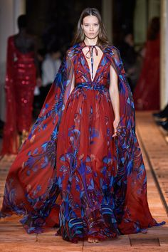 Zuhair Murad Spring 2020 Couture Fashion Show - Zuhair Murad Spring 2020 Couture Collection – Vogue - Haute Couture Style, Couture Looks, Haute Couture Dresses, Spring Couture, Elie Saab Couture, Runway Fashion, High Fashion, Fashion Show, Fashion Week