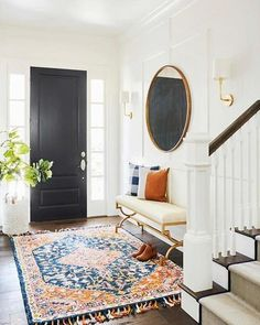 An entryway rug is among simple decorations that can enliven your house. A stylish rug can impress guests, relatives or friends. An entryway rug shouldn't cost you a fortune. Read Entryway Rug Ideas to Spruce Up Your Foyer Style At Home, Entryway Rug, Entrance Foyer, Small Apartment Entryway, Entryway Flooring, Entry Wall, Foyer Decorating, Interior Decorating, Narrow Hallway Decorating