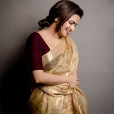 Looking for collar blouse designs for your sarees? Here are our picks of 13 amazing blouse designs you can wear with any saree. Kerala Saree Blouse Designs, Golden Saree, Set Saree, Indian Fashion Dresses, Saree Fashion, Indian Outfits, Simple Blouse Designs, Saree Trends, Saree Models