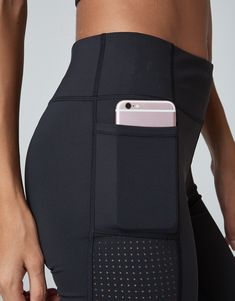 At Varley, we are design and product obsessed. Shop luxury workout clothing and activewear for women. Womens Workout Outfits, Sport Outfits, Running Outfits, Jo And Jax, Nike Bra, Workout Tops For Women, Athletic Outfits, Workout Wear, Dance Wear