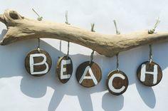 15 stunning coastal wall art ideas is part of Driftwood crafts - 15 Stunning Coastal Wall Art Ideas Beachart DIY Coastal Wall Art, Beach Wall Art, Coastal Decor, Driftwood Wall Art, Driftwood Projects, Driftwood Signs, Painted Driftwood, Driftwood Beach, Painted Shells