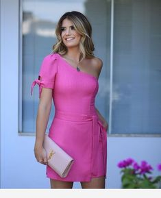 Lovely pink dress and a YSL bag Stylish Dresses, Sexy Dresses, Cute Dresses, Dress Outfits, Casual Dresses, Casual Outfits, Fashion Dresses, Princes Fashion, Elegant Outfit