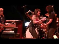 ▶ Gov't Mule ft. Beth Hart - I Don't Need No Doctor - YouTube